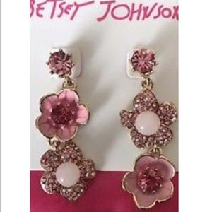 Betsey Johnson Pink Flower Mismatch Earrings.